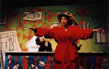 Hexe Hillary geht in die Oper, Szenenbild