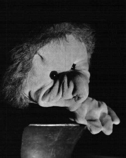 Hexe Hillary und der beleidigte Kontrabass, Szenenbild